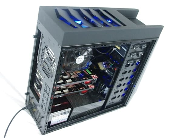 DIY casemod features fins, automatically vents your rig