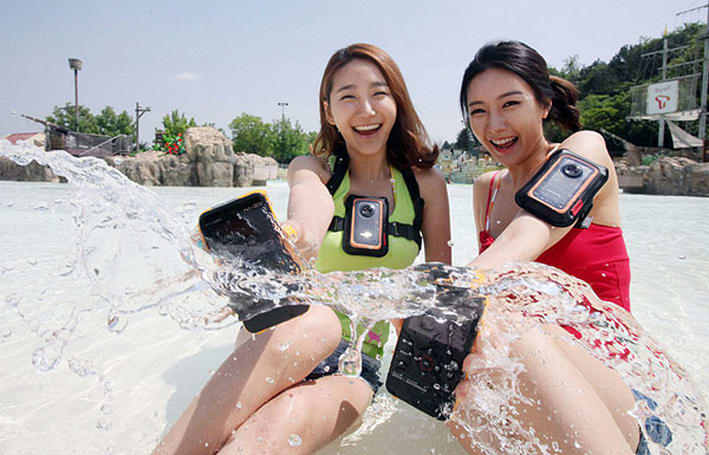 Samsung ships QF20 camcorder with WiFi, toughened-up W300 pocket cam