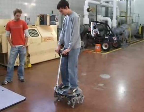 Cajun Crawler swaps Segway wheels for Theo Jansen's creepy leg mechanism