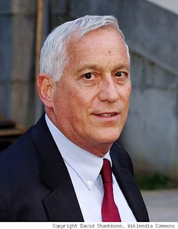 Judge: Walter Isaacson doesn't have to hand over biography notes