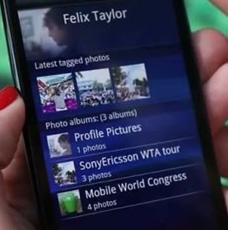 Sony Ericsson boosts Xperia Arc and Play to 2.3.3, includes Facebook integration