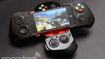 iPhoneと合体するゲームコントローラ MOGA ACE POWER発売、左右アナログやLRトリガーつき