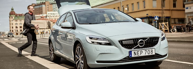 Volvo's two-hour delivery leaves packages in your trunk
