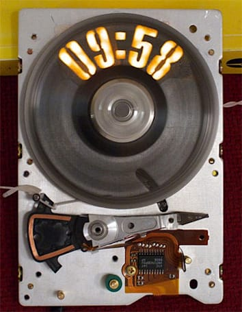 Strobeshnik: probably the most awesome hard drive clock of all time