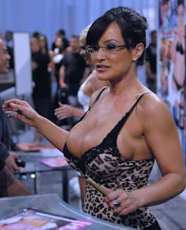 Lisa  Ann photo