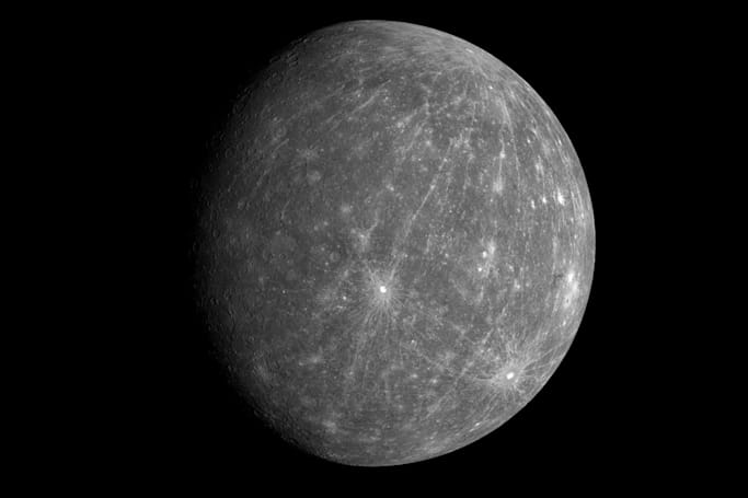 Here's why the surface of Mercury is so dark