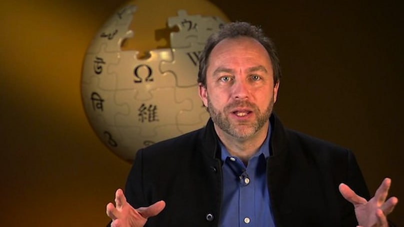 Wikipedia celebrates 10th anniversary, co-founder Jimmy Wales opines on app stores