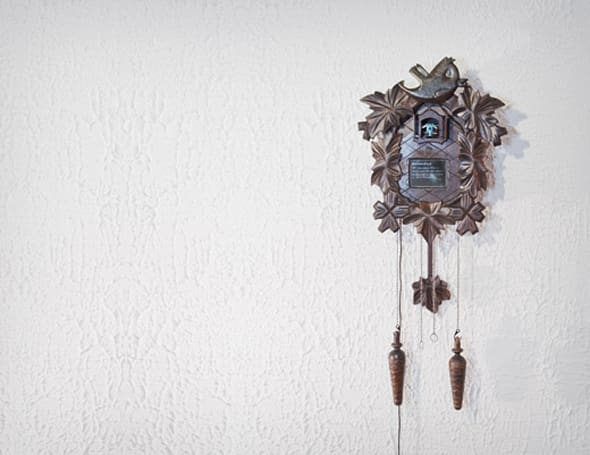 Twitwee Clock checks tweets with old world charm