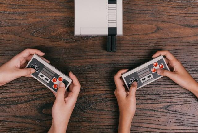 任天堂 NES Classic 的用戶有升級無線手把的選項了!