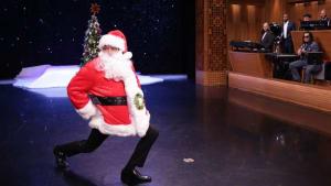 Jimmy Fallon Tackles a Christmas Tree