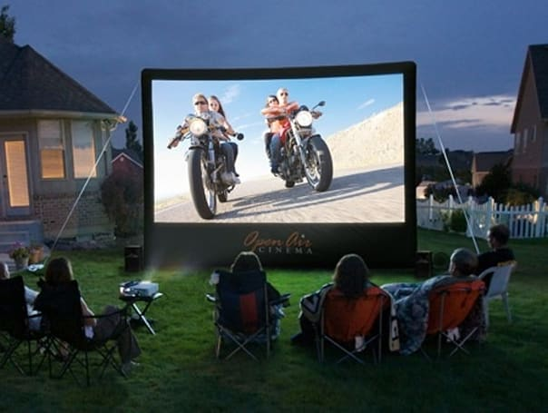 Open Air Cinema brings its 16x9-ft projection screen to market