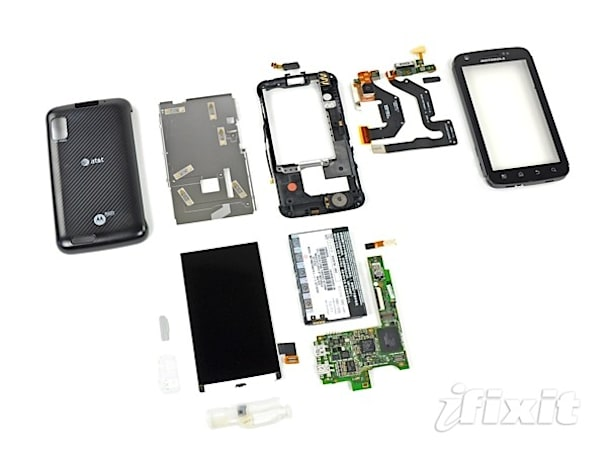 Motorola Atrix 4G gets the teardown treatment, fourth G nowhere to be found