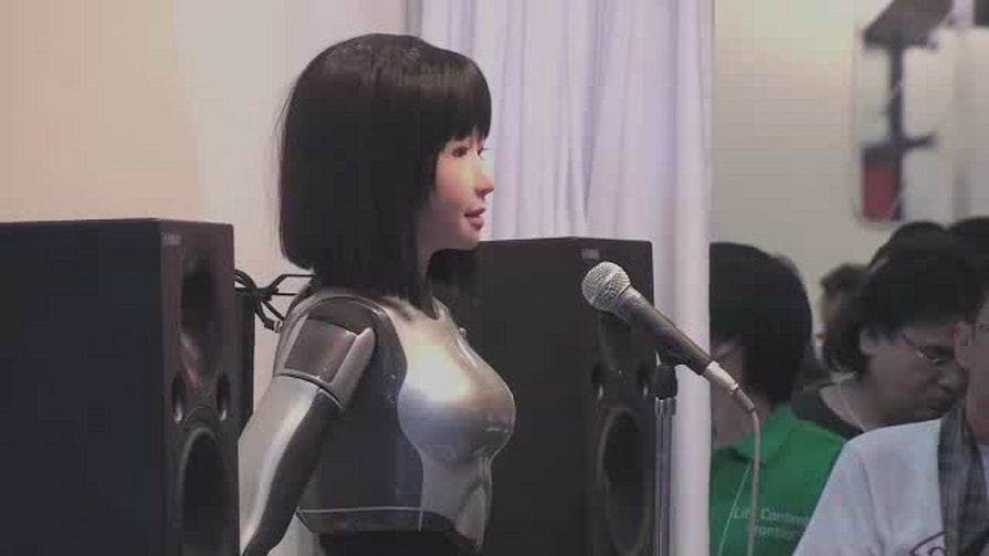 Yamaha Singing Robot Takes The Stage At CEATEC