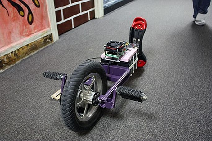 MIT scholar builds a self-balancing unicycle to roll fast and furious around campus (video)