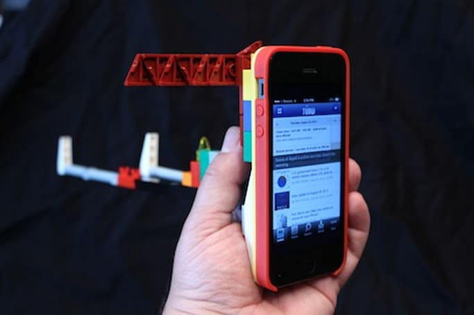 Belkin's LEGO Builder Case for iPhone 5 is too much fun