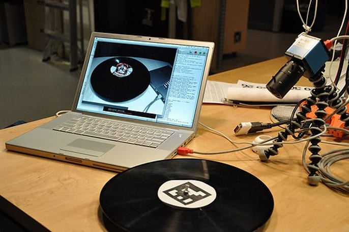 AR-enhanced vinyl disk lets you scratch sans turntable