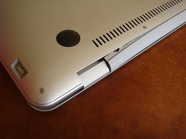 MacBook Air hinge defect not covered by Apple's warranty?