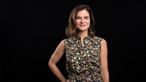 """Betsy Brandt Discusses Her CBS Sitcom, """"Life In Pieces"""""""