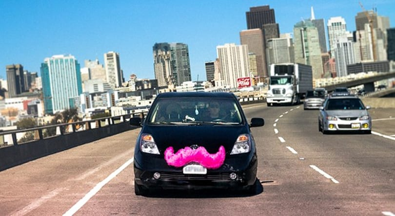 California regulator sets rules for ridesharing companies