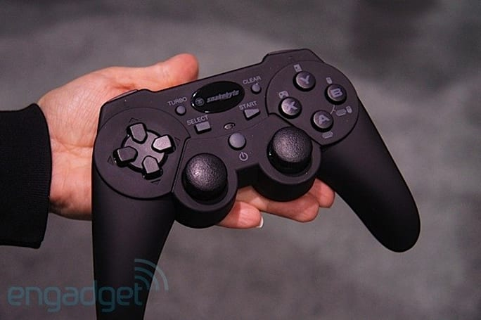 Snakebyte tablet gaming controller for Android and iOS hands-on