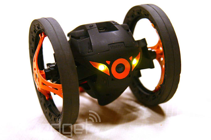 Parrot's Jumping Sumo 'bot gets some pretty impressive air (video)