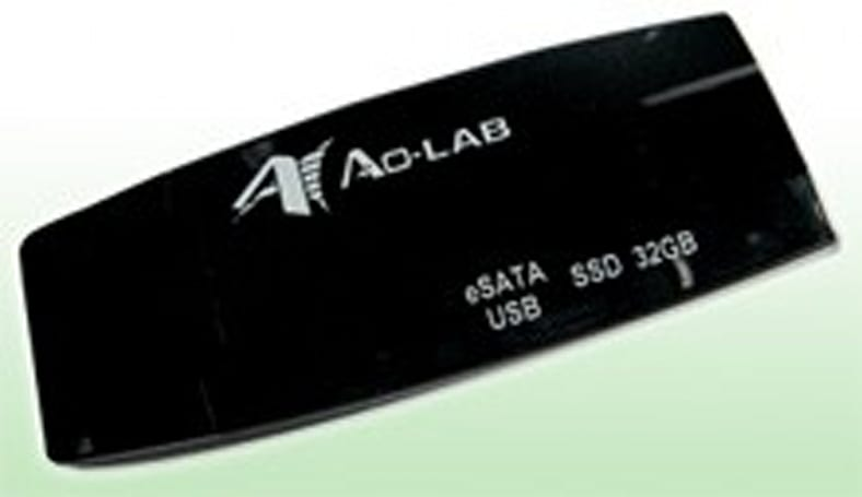 Ao-LAB's eSATA SSD flash drive conveniently includes USB port