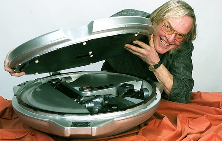 Colin Pillinger, Britain's Mars-rover chief, dies aged 70