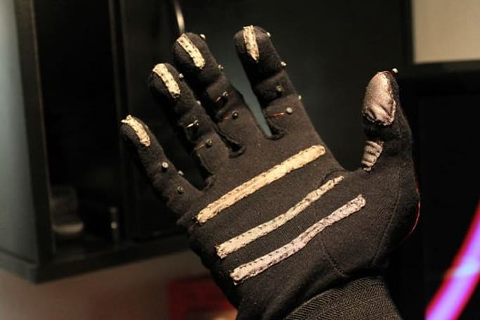 Keyglove ditches QWERTY for one-handed computer control (video)