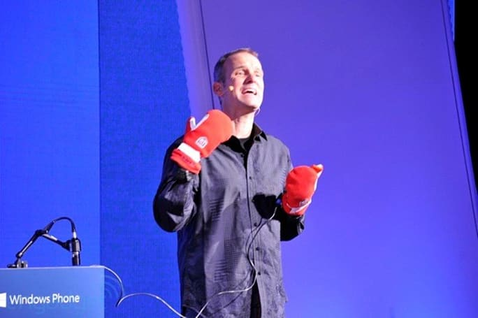 Nokia Lumia screens tout Synaptics tech for gloves-on use, 920 adds outdoor-friendly brightness