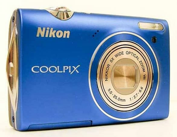 Nikon's tiny Coolpix S5100 reviewed before disappearing into someone's pocket