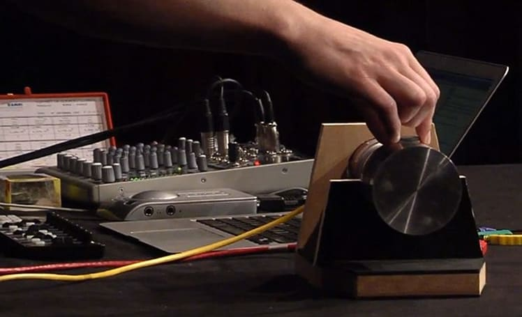 Radioactive Orchestra 2.0 takes the music live, makes sweet photonic melodies (video)