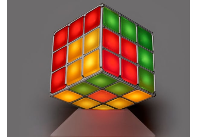 The Illuminate Cube: like Rubik on meth