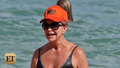 Goldie Hawn, 70, Flaunts Her Swimsuit Bod