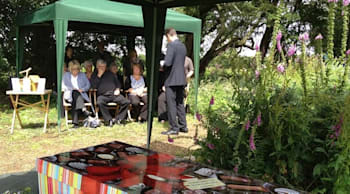 Guida ambientalista a un funerale verde