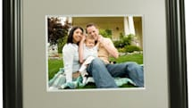 Digital Foci ships Image Moments 8 digiframe: for mom (or mom's mom)