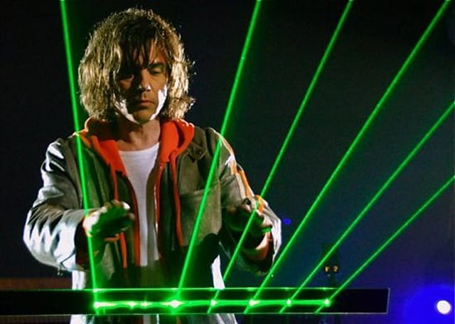 Microsoft applies to patent gesture-based MIDI interface, turn us all into Jean Michel Jarre