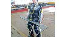 Robotic exoskeletons give dock workers superhuman lifting abilities