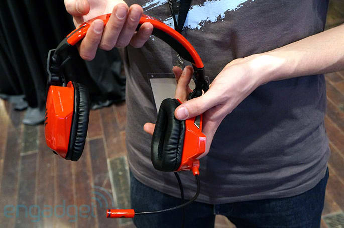 Mad Catz F.R.E.Q. 7 gaming headset hands-on