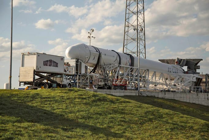 Watch SpaceX launch a Dragon supply ship for the ISS today
