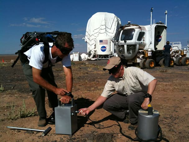 Recon Instruments gets NASA Desert RATS eyes-on with Micro Optics Display, lets them see the future