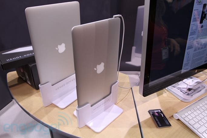 Henge Docks for the MacBook Air hands-on (video)