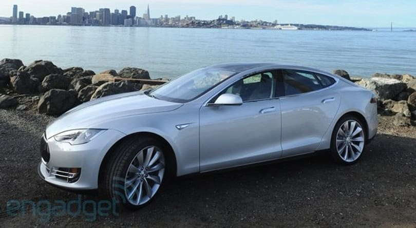Tesla Model S to get app support and Chrome by late 2014 (video)