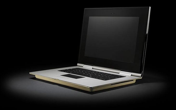 "Munk Bogballe turns MacBook into luxury ""Workstation"""
