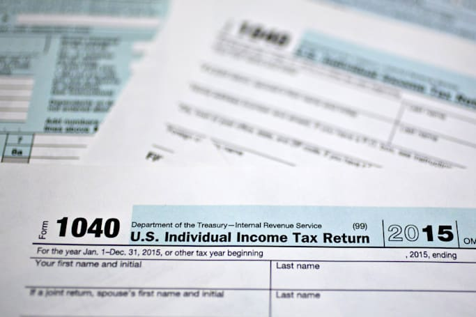 IRS says identity thieves nabbed 100,000 income tax e-file PINs