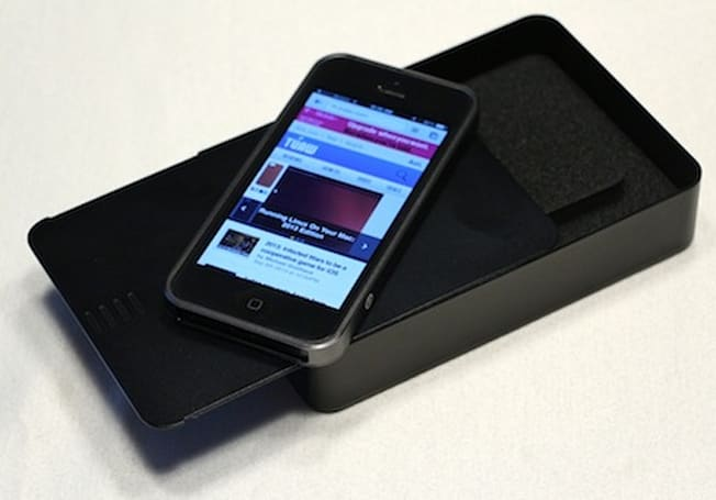 Designed by m's AL13 iPhone 5 bumper: Review and giveaway