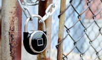 The TappLock smart padlock opens with a fingerprint