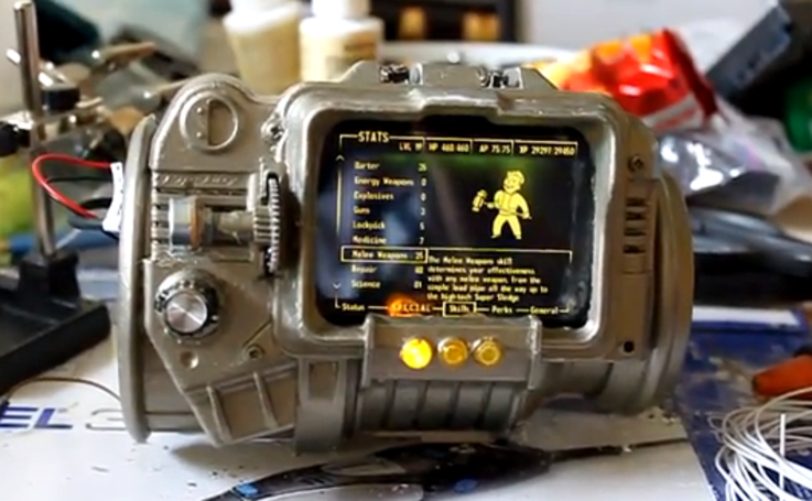 Homemade PIP-Boy 3000 does (almost) everything