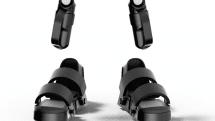 動画:VR専用の靴&グローブ「Taclim」、声で変形卓上ライト「Lumigent」体験。VRゴーグルは大資本、周辺機器はCerevo:CES 2017