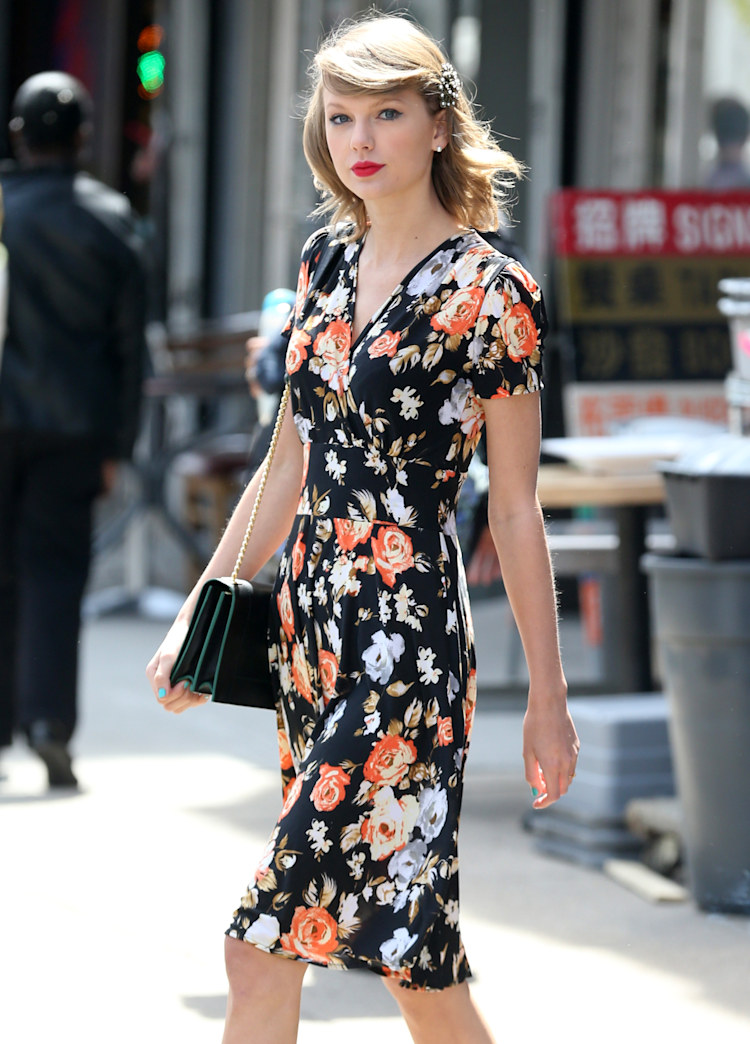 Taylor Swift looks lovely in a ladylike floral frock: Get it for $139