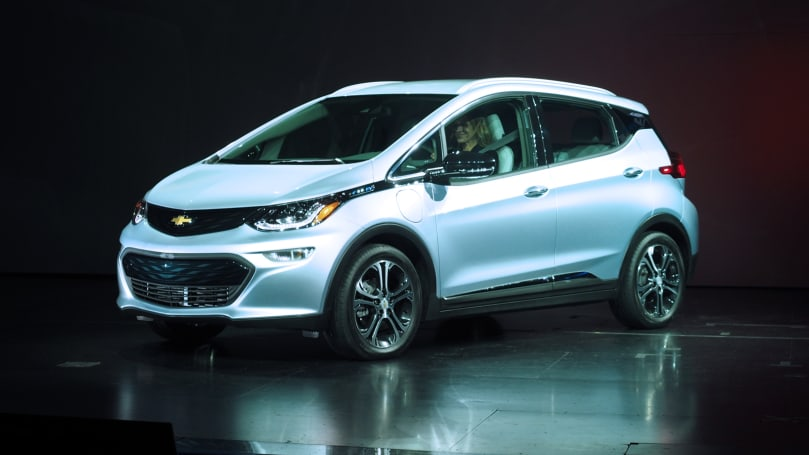 Chevy unveils its pure-electric Bolt